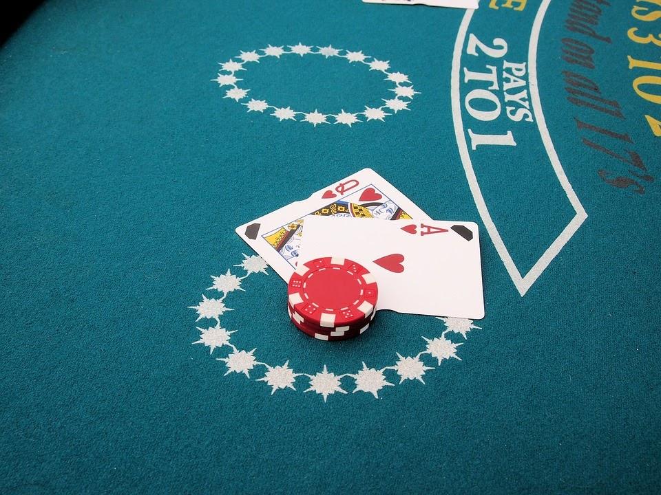 Quyền lựa chọn các lệnh trong bài Blackjack