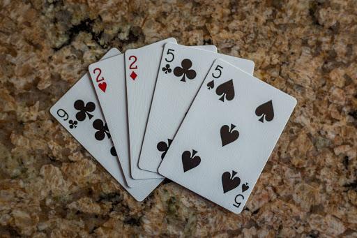 Giới thiệu về cách chơi bài mậu binh đơn giản và dễ hiểu cho người mới bắt đầu