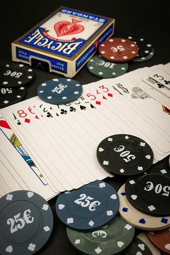 Những lưu ý khi chơi bài tiến lên giúp mọi người dễ ăn tiền