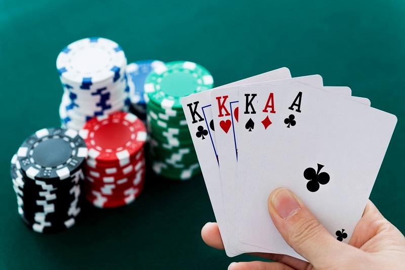 Xếp hạng độ lớn của các nước bài trong poker