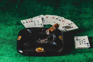 Cách chơi poker đơn giản dễ hiểu mà ai cũng nên biết